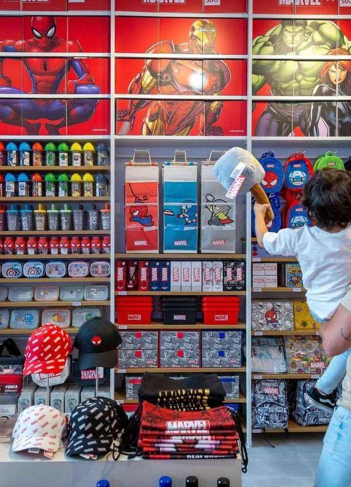 Miniso inaugura en Granada la primera de las 11 tiendas que abrirá por toda España antes de Navidad