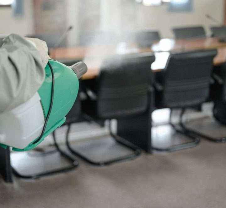 Ventilar, un hábito frente al COVID-19 poco sostenible con la llegada del frío, según Rentokil Initial