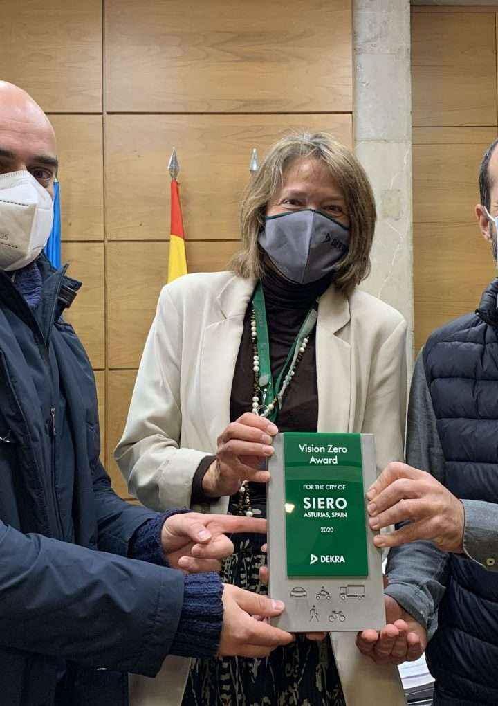 11 años sin muertes en accidentes de tráfico: premio DEKRA Visión Zero para la ciudad española de Siero